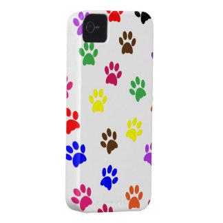 Rolig färgrik gullig tassavtryck för tass Case-Mate iPhone 4 fodral