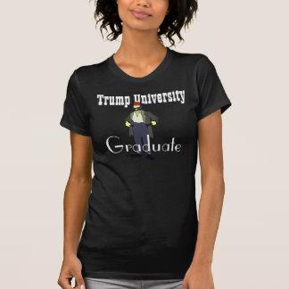 """Rolig fattig man """"för trumfuniversitetenstudent"""" t-shirt"""