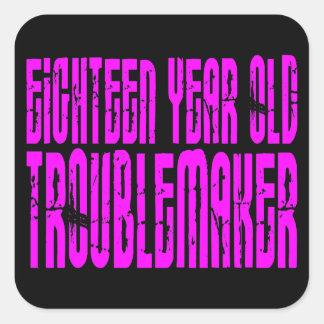 Rolig födelsedagen arton åriga Troublemake för Fyrkantigt Klistermärke