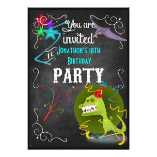 Rolig för svart tavlabarns födelsedag för Dinosaur