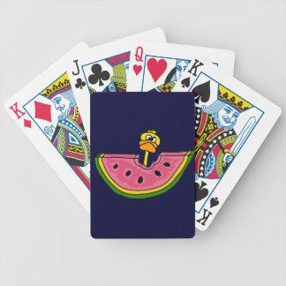 Rolig gul anka som äter vattenmelonen spelkort