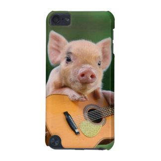 Rolig gullig gris som leker gitarren iPod touch 5G fodral