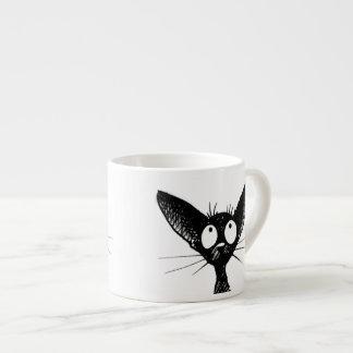 Rolig gullig lite svart kattkonst espressomugg