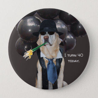 Rolig hund över backefödelsedagen klämma fast stor knapp rund 10.2 cm