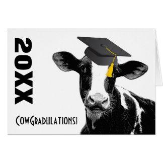 Rolig ko för grattisstudenten i lock hälsnings kort