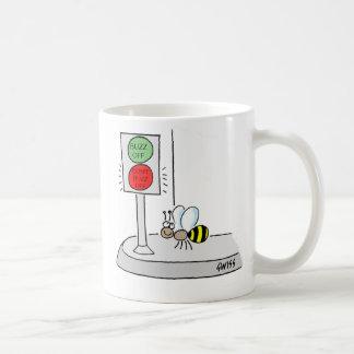 Rolig mugg för bitecknadkaffe