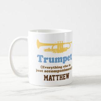 Rolig mugg för musik för trumpetskämtpersonlig