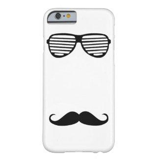 Rolig mustaschstil med exponeringsglas av barely there iPhone 6 skal
