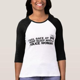 Rolig poliskvinna t shirt