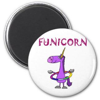 Rolig purpurfärgad Unicorn med den Hula ringen Magnet Rund 5.7 Cm
