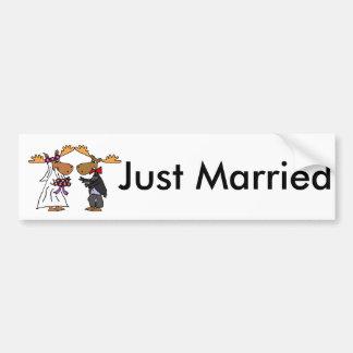Rolig skraj konst för älgbrölloptecknad bildekal