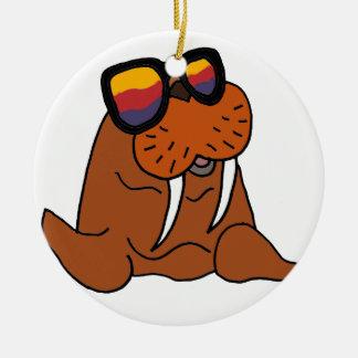 Rolig valross som ha på sig solglasögon julgransprydnad keramik
