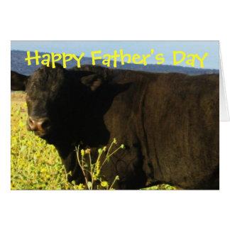 Roliga lyckliga tjurar för nötkreatur för fars hälsningskort