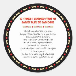 Roliga saker som är lärda från Basset Bleu de Runt Klistermärke