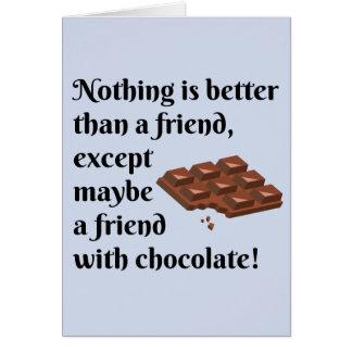 Roliga vänner med chokladsvarttext hälsningskort