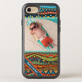 Roligt färgrikt geometriskt mönster OtterBox symmetry iPhone 7 skal