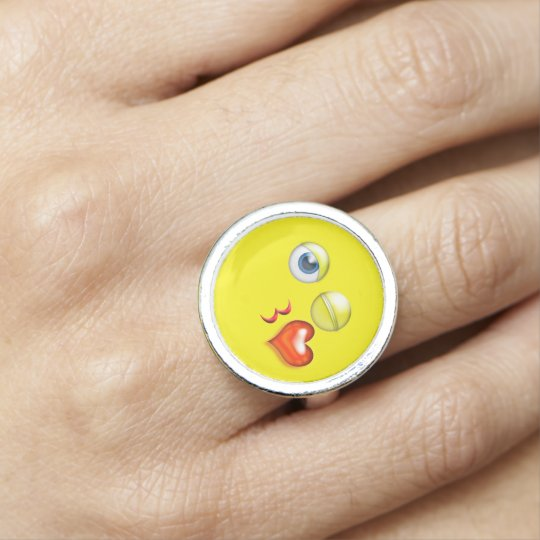 Roligt slag en kyssEmoji Smiley Ring