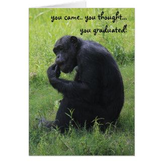 Roligt studentenkort, schimpans, tänkaren hälsningskort