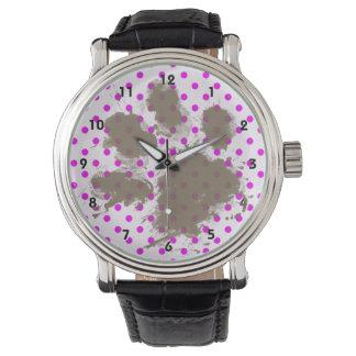 Roligt tasstryck på Fuchsia polka dots Armbandsur