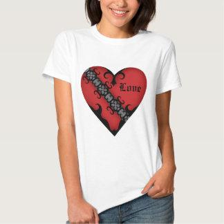 Romantisk gotisk medeltida röd hjärta tee shirt