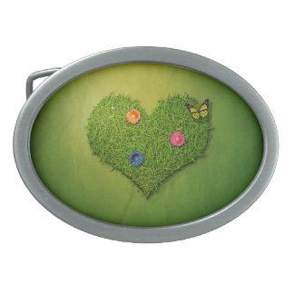 Romantisk gräshjärta - bältet spänner fast