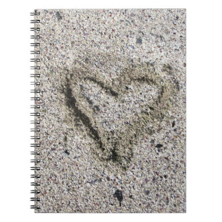 Romantisk hjärta i Sand Anteckningsbok