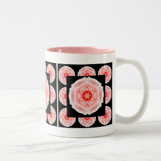 Romantisk mugg för rosa rosmönsterkaffe