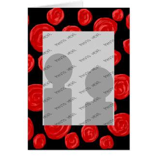 Romantiska röd ros på svart bakgrund hälsningskort