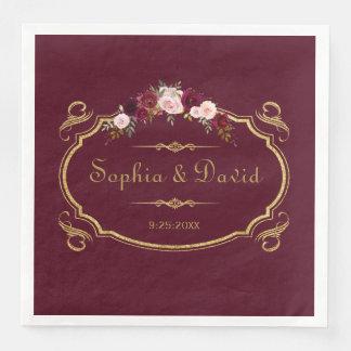Romantiskt Burgundy Marsala blom- nedgångbröllop Papper Servetter