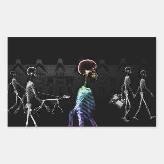 Röntga den midnatta promenaden för skelett - B&W & Rektangulärt Klistermärke