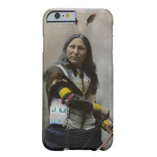 Rop på den Oglala Sioux indier 1899 Barely There iPhone 6 Skal