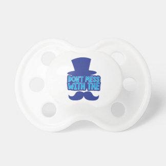 Röra inte med moustachen napp