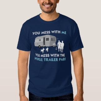 … Rörar du med det hela släpet parkerar T-shirts