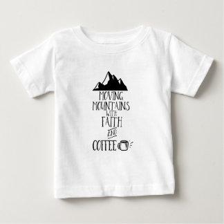 Rörs berg med tro och kaffe tröjor