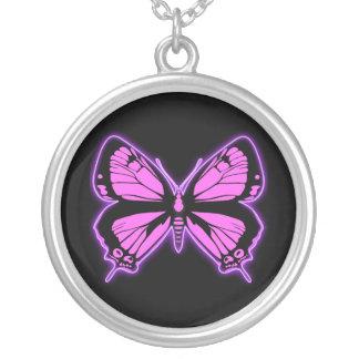 Rosa fjäril silverpläterat halsband
