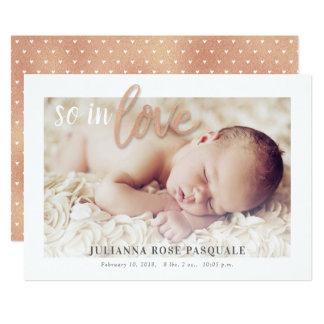 Rosa för födelsemeddelande för guld så förälskat 12,7 x 17,8 cm inbjudningskort