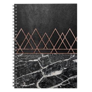 Rosa guld- trianglar för elegant & svart- & anteckningsbok med spiral