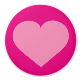 Rosa hjärta på rosor knopp