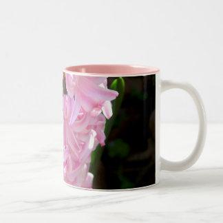 Rosa hyacintblommor Två-Tonad mugg