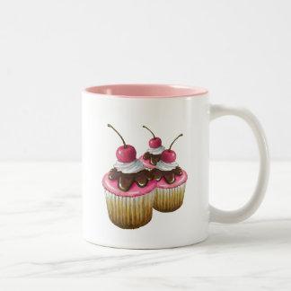 Rosa isläggning på muffins: Körsbär överst: Konst Två-Tonad Mugg