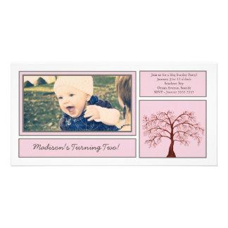 Rosa körsbärsröd inbjudan för foto för blommarträd