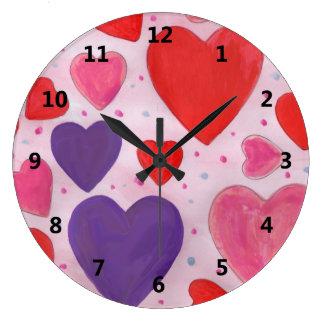 Rosa lilor och röda valentin daghjärtor stor klocka