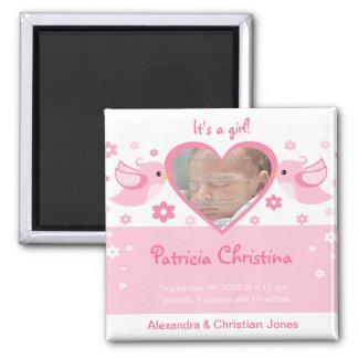 Rosa meddelande för födelse för love birdsfotobaby magnet