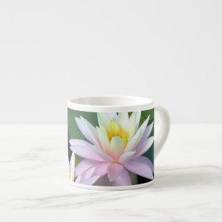 Rosa näckrosor espressomugg