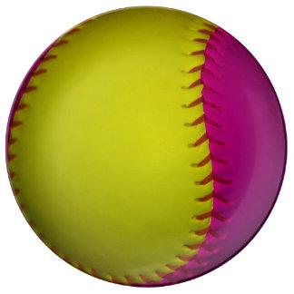 Rosa- och gultsoftball porslinstallrik