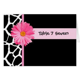 Rosa och svart giraff för bröllopbordsnummer hälsningskort