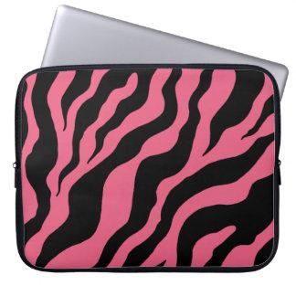 Rosa och svart sebralaptop sleeve laptop datorfodral