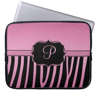 Rosa och svart sebraMonogram Laptopskydd