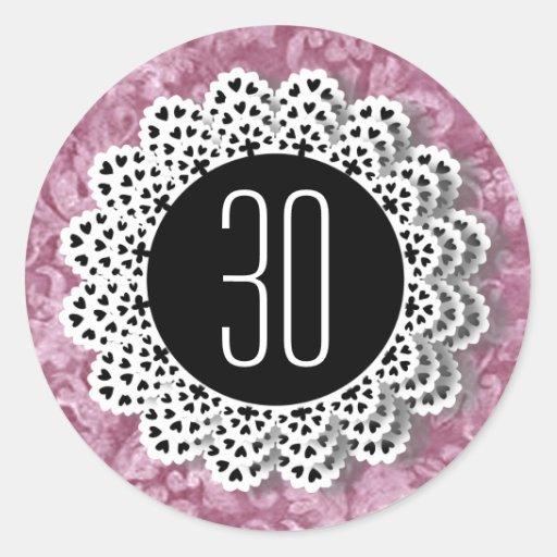 Rosa och svart snöre V009CC för 30års födelsedagkl Rund Klistermärke