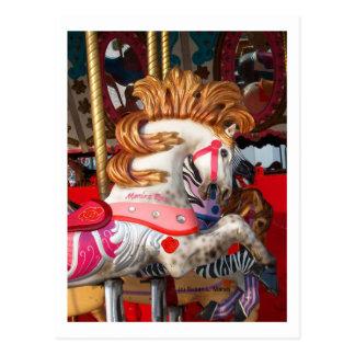 Rosa- och vitkarusellhästen fotograferar mässan vykort